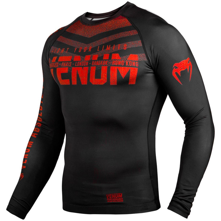 Venum Signature Long Sleeve Rash Guard Black/Red