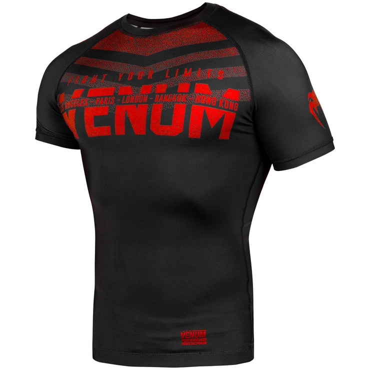 Venum Signature Short Sleeve Rash Guard Black/Red