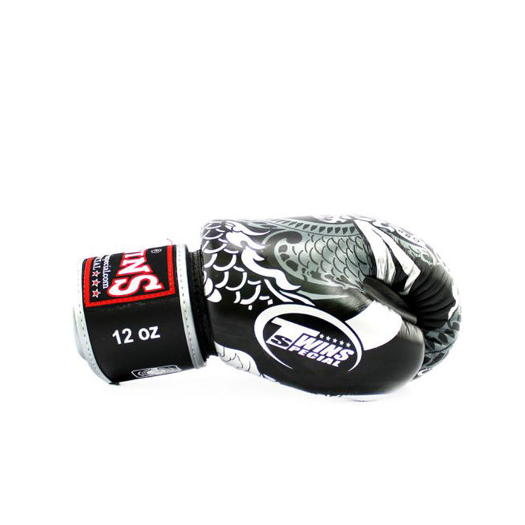 Twins FBGVL3-52 Nagas Boxing Gloves Black/Silver