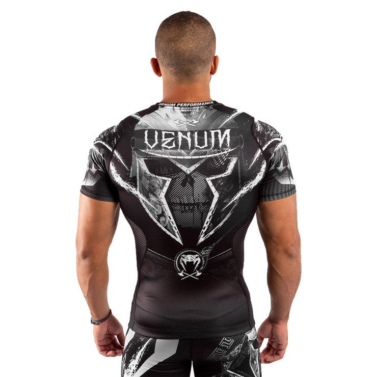 Venum GLDTR 4.0 Short Sleeve Rash Guard