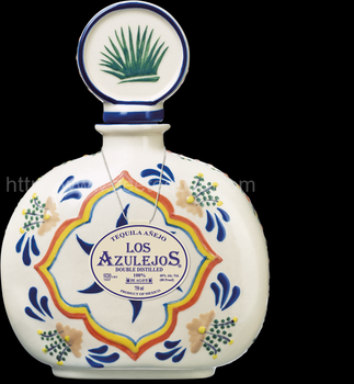 Los Azulejos Anejo Talavera 750ml