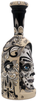 Dos Artes 2019 Calavera Limited Edition Extra Anejo 1 Liter Side View