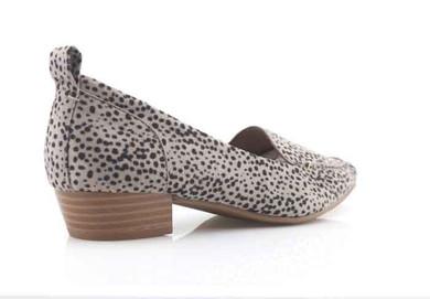 stone leopard