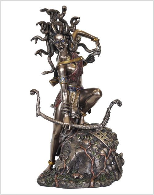 Medusa Bowing Statue