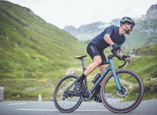 Road cyclist enjoying the Scott Addict eride