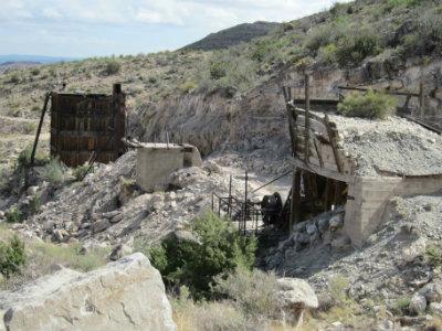 stone-mining-2.jpg