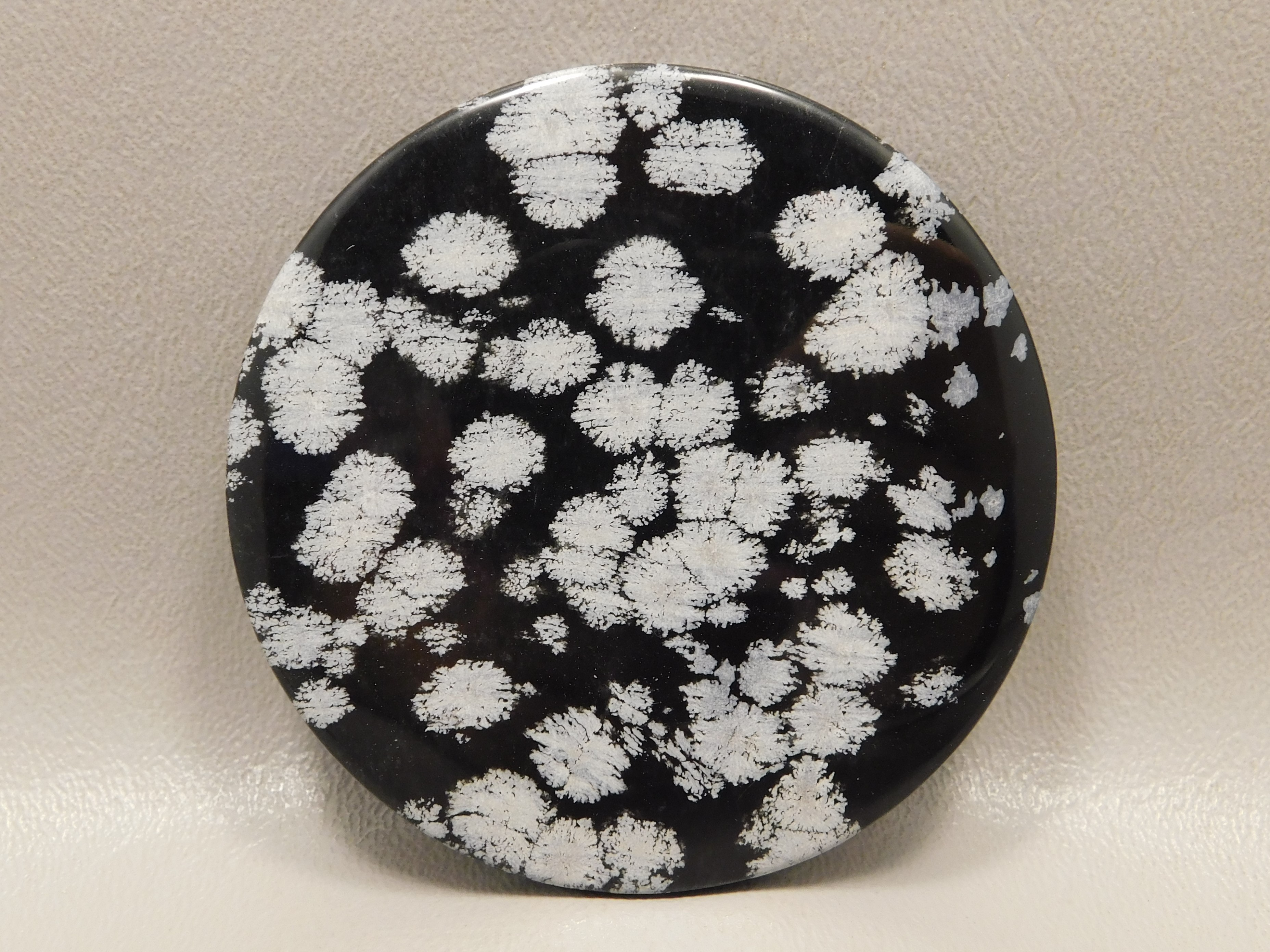 utah-rock-snowflake-obsidian