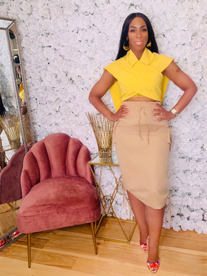 Midi Length Skirt with Elastic Waistline, Adjustable Ruching Side Ties and Side Cargo Pockets in Khaki 60% Polyester 40% Cotton