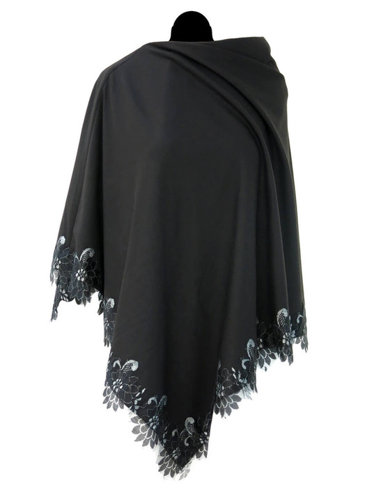 Poncho in Lana con bordo in pizzo