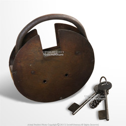 Large Size Medieval Style Padlock double Key Lock with Keys Renaissance Costume