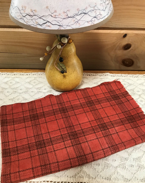 Chili, Medium on Glen Plaid