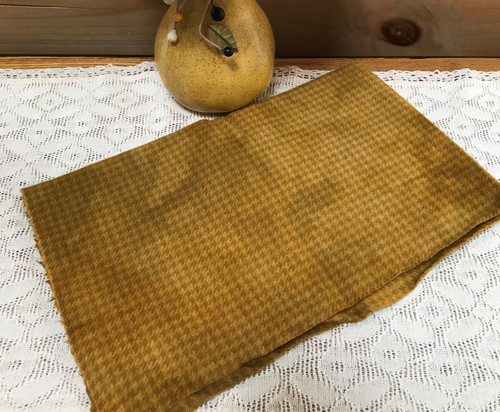 Neat Gold on Camel Houndstooth