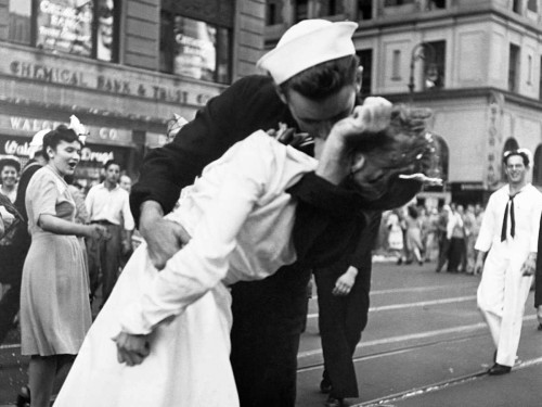 Jorgensen Victor Il bacio del Addio guerra in Times Square 1945 Figurativo cm84X111 Immagine su CARTA TELA PANNELLO CORNICE Orizzontale