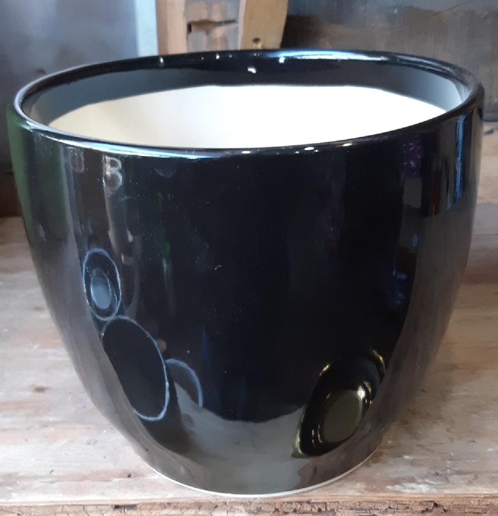 "Ceramic Black Glossy Pot & Saucer 9"" 10"" 12"""
