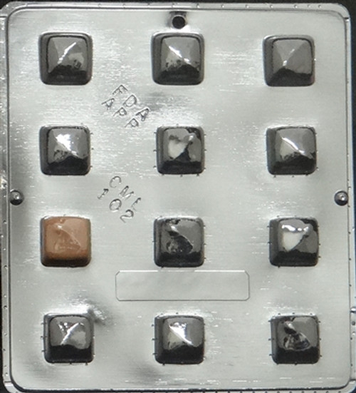 CML Caramels Chocolate Mold 102