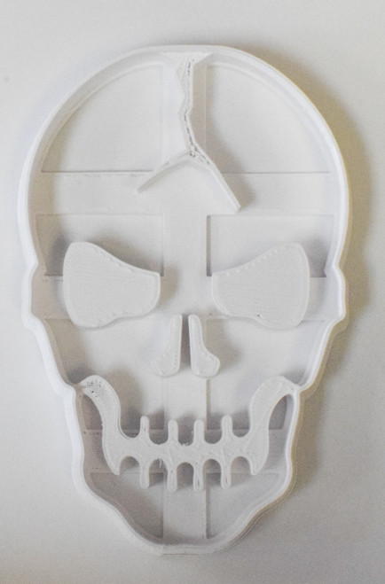 YNG Plastic Cracked Skull Cookie Cutter PR114