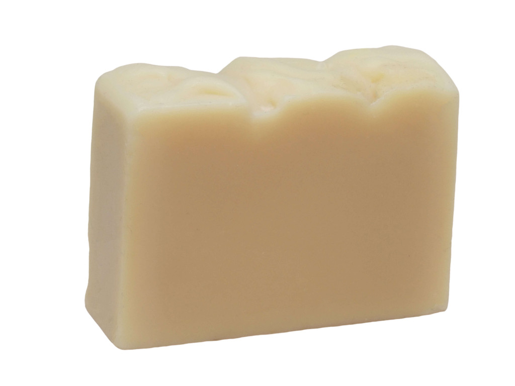 Apple Juice Soap, made with apple juice from Nightingale Bros., Apple Farm, Wandiligong Victoria. The sugars in the juice create a rich bubbly lather, and it has a fresh crisp apple fragrance.