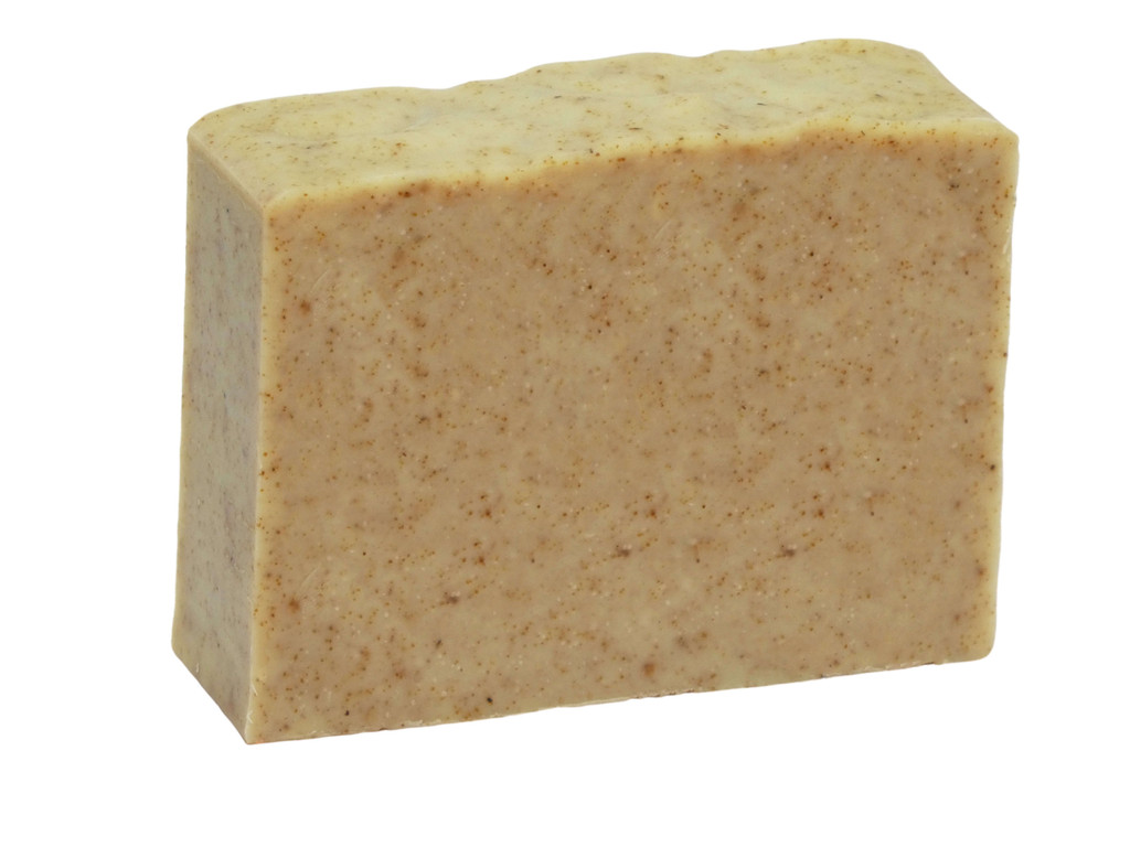 Tradie Soap, exfoliating soap ideal for those who work with grease and dirt. Loaded with ground pumice and ground walnut shell to clean but moisturising at the same time.