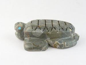Zuni Crawstone Turtle Fetish Carving by Burt Awelagte (FT0180)
