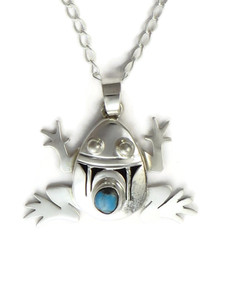 Pilot Mountain Turquoise Frog Pendant by Benny Ration (PD4189)