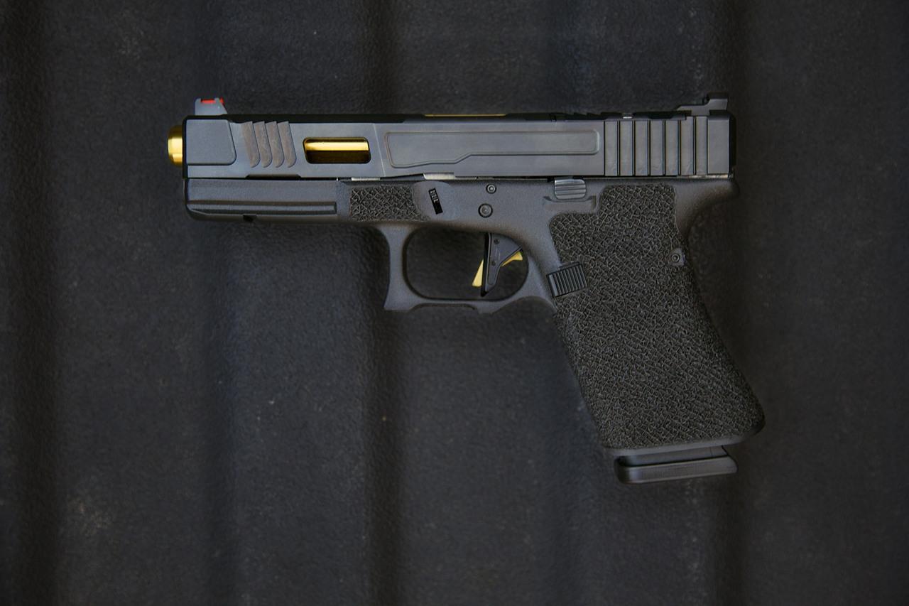 Fowler MK 2 G17 / G19 Grip Chop w/ TiN Barrel