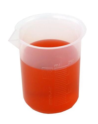250 ml plastic beaker with red liquid