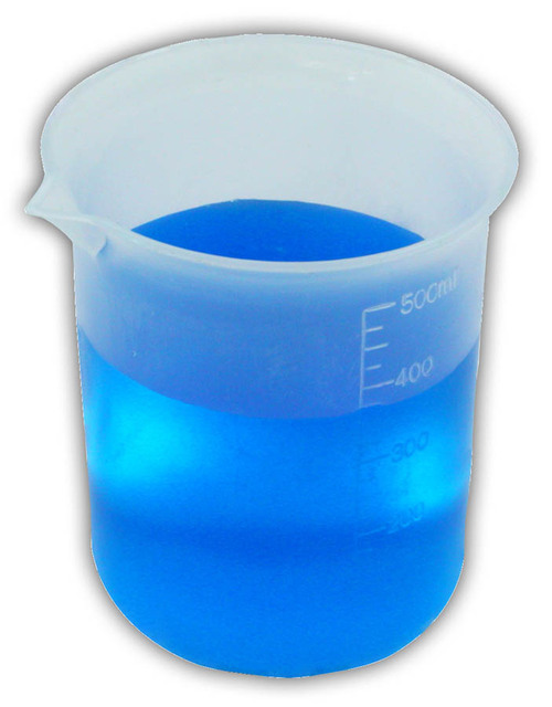500 ml plastic science beaker with blue liquid