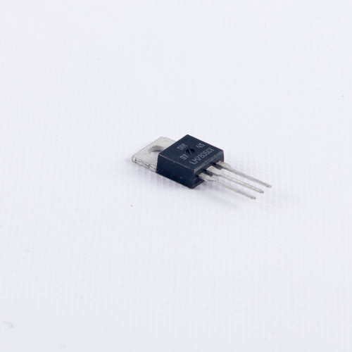 LM7805 Voltage Regulator