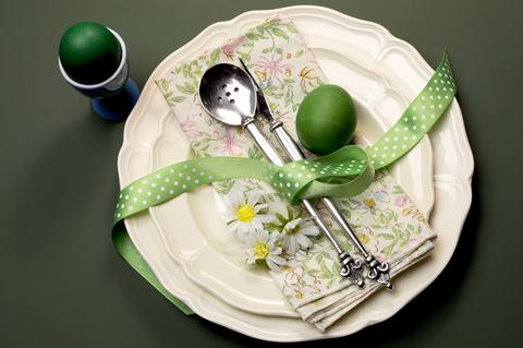 easter-plate-dreamstime-xs-29262983.jpg