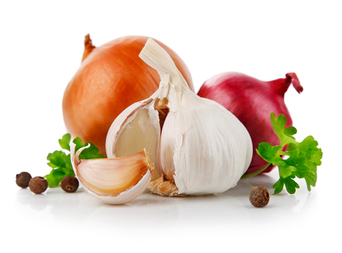 garlic-and-onions-dreamstime-xs-13865467.jpg