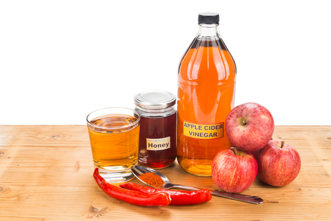 vinegar-and-honey-dreamstime-xs-59322476.jpg