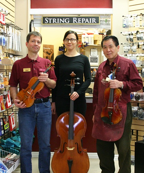 string repair technicians Melissa Collins, Samantha Cortez, Christian Rapp, and Tom Zheng, and Pro Strings Department manager Estefan Cortez