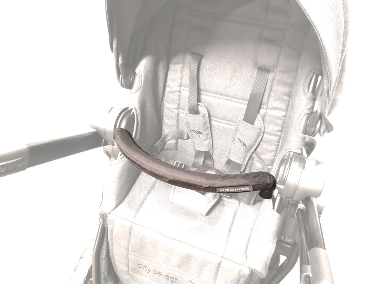 The City Select LUX Belly Bar gives your child a safe and comfortable area to hold on to while strolling.