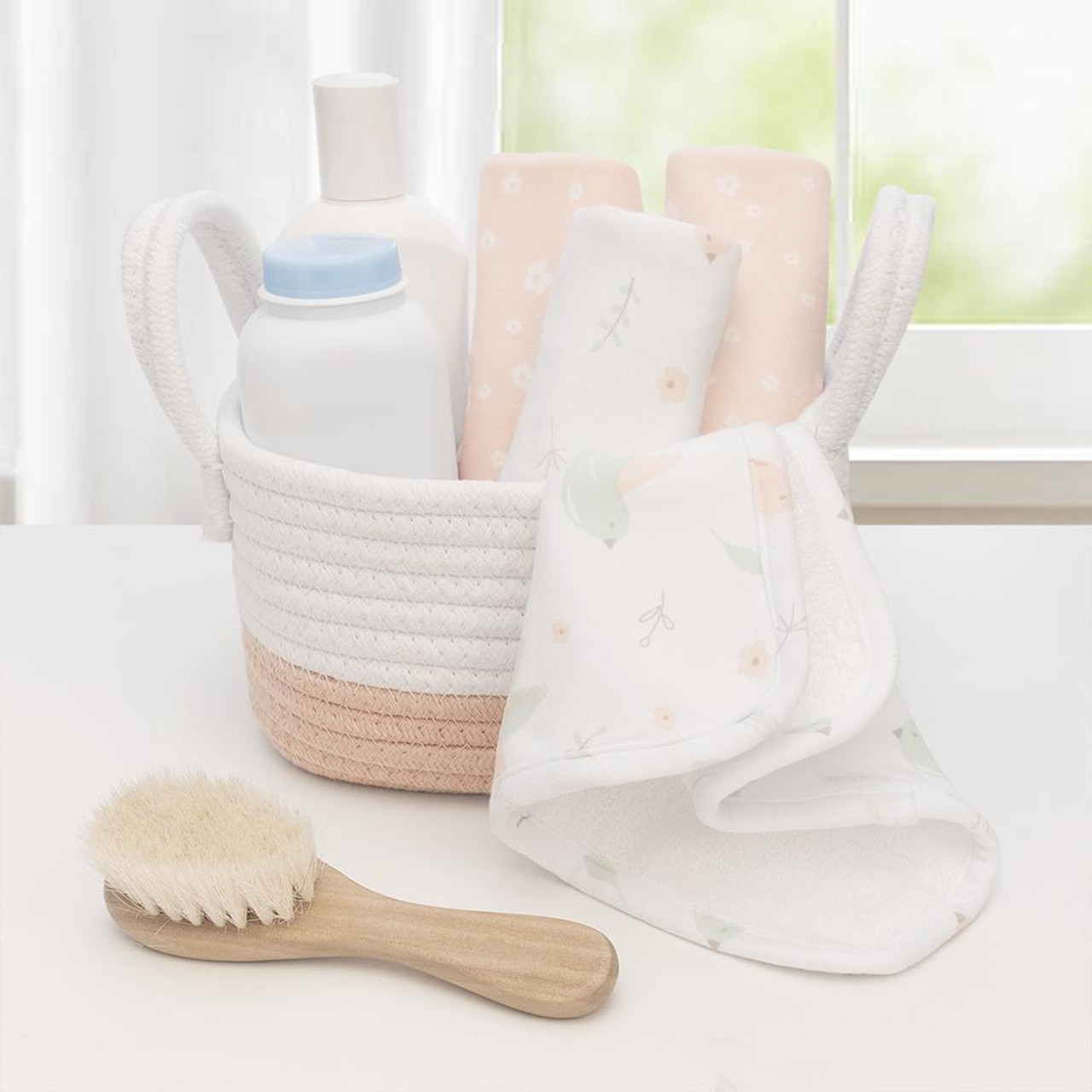 Living Textiles Cotton Towelling Jersey 4pk Face Wash Cloths Living Textiles Cotton Towelling Jersey 4pk Face Wash Cloths - SWAN Add a bit if luxury to baby's day with the 4pk of washcloths from Living Textiles. These deluxe  washcloths are perfect for everyday use during bath time or on the go.