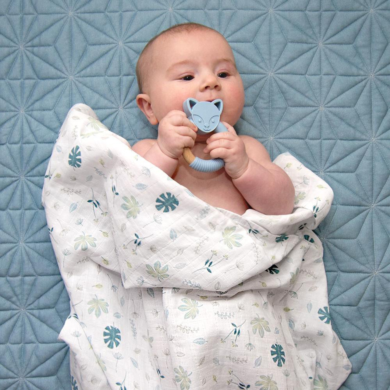 Living Textiles Organic Cotton 2pk Muslin Swaddles at Baby Barn Discounts Living Textile's luxuriously soft and silky 100% organic cotton muslin swaddles are an essential for baby.