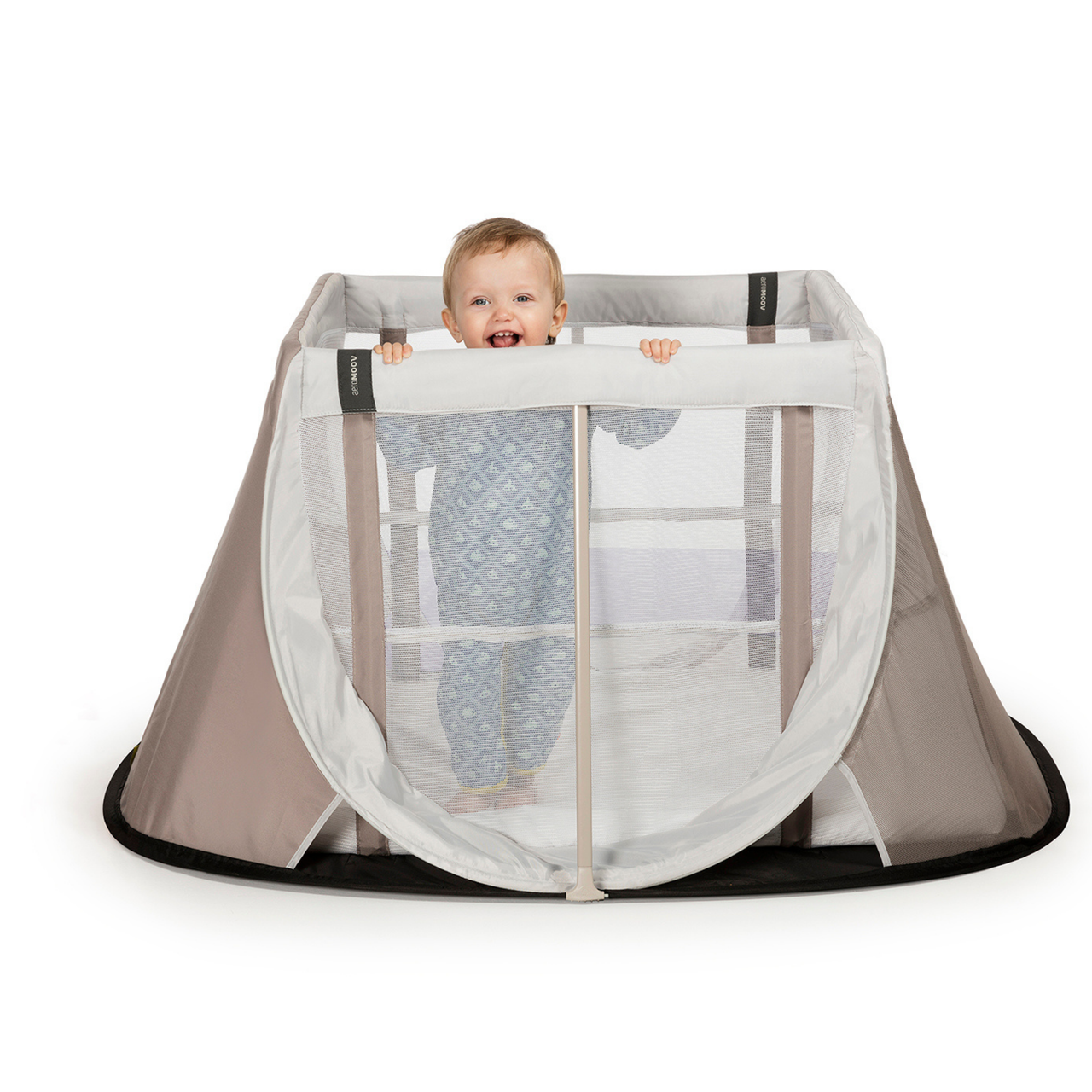 Aeromoov Instant Travel Cot WHITE SAND at Baby Barn Discounts You can set up and pack up the AeroMoov instant travel cot in seconds!