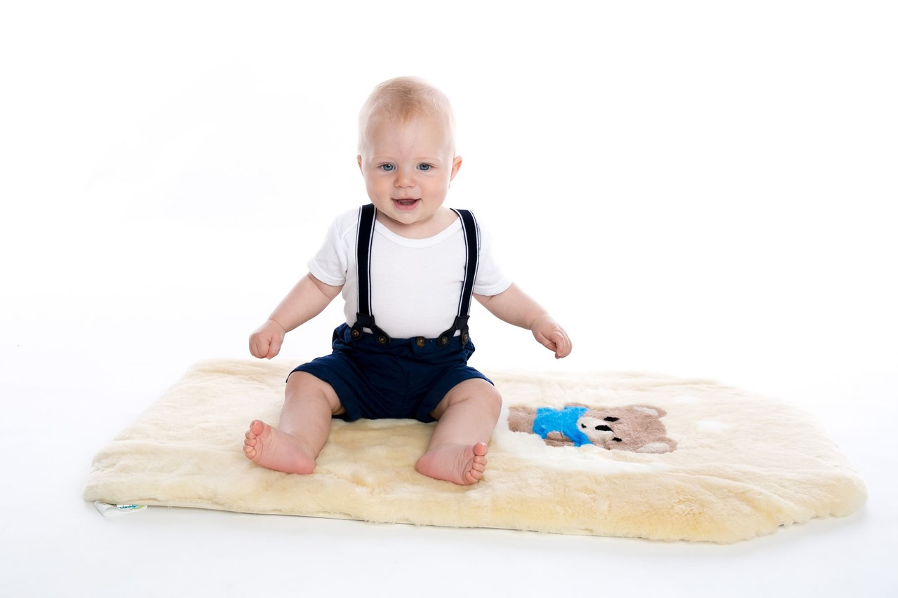 Auskin Infantcare Shorn Natural Lambskin Throw Rug | Baby Barn Discounts Auskin Infantcare range provides a natural, warm and safe environment for infants and young children.