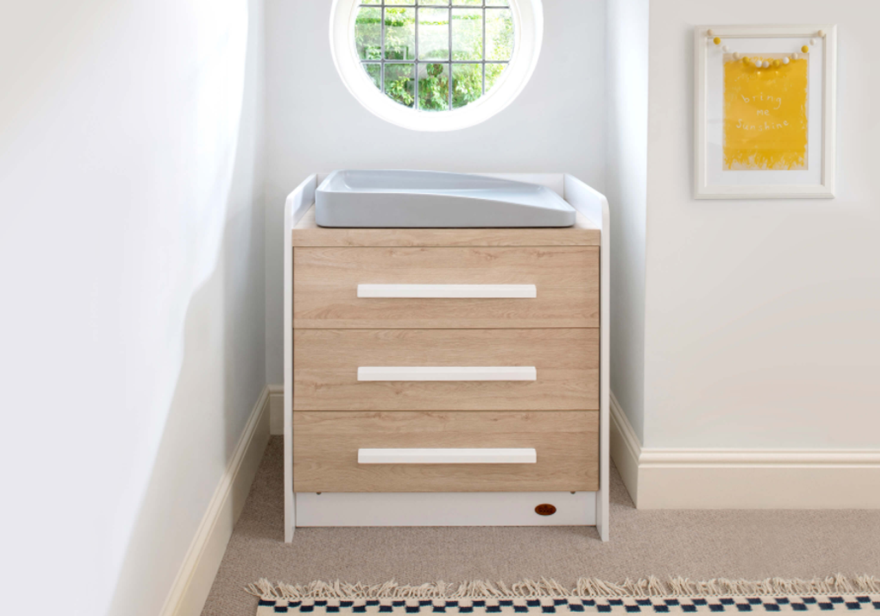 Boori Neat 3 Drawer Chest at Baby Barn Discounts With modern styling and minimalist features, the Neat 3 Drawer Chest is a versatile storage solution that will complement most bedroom and nursery designs.