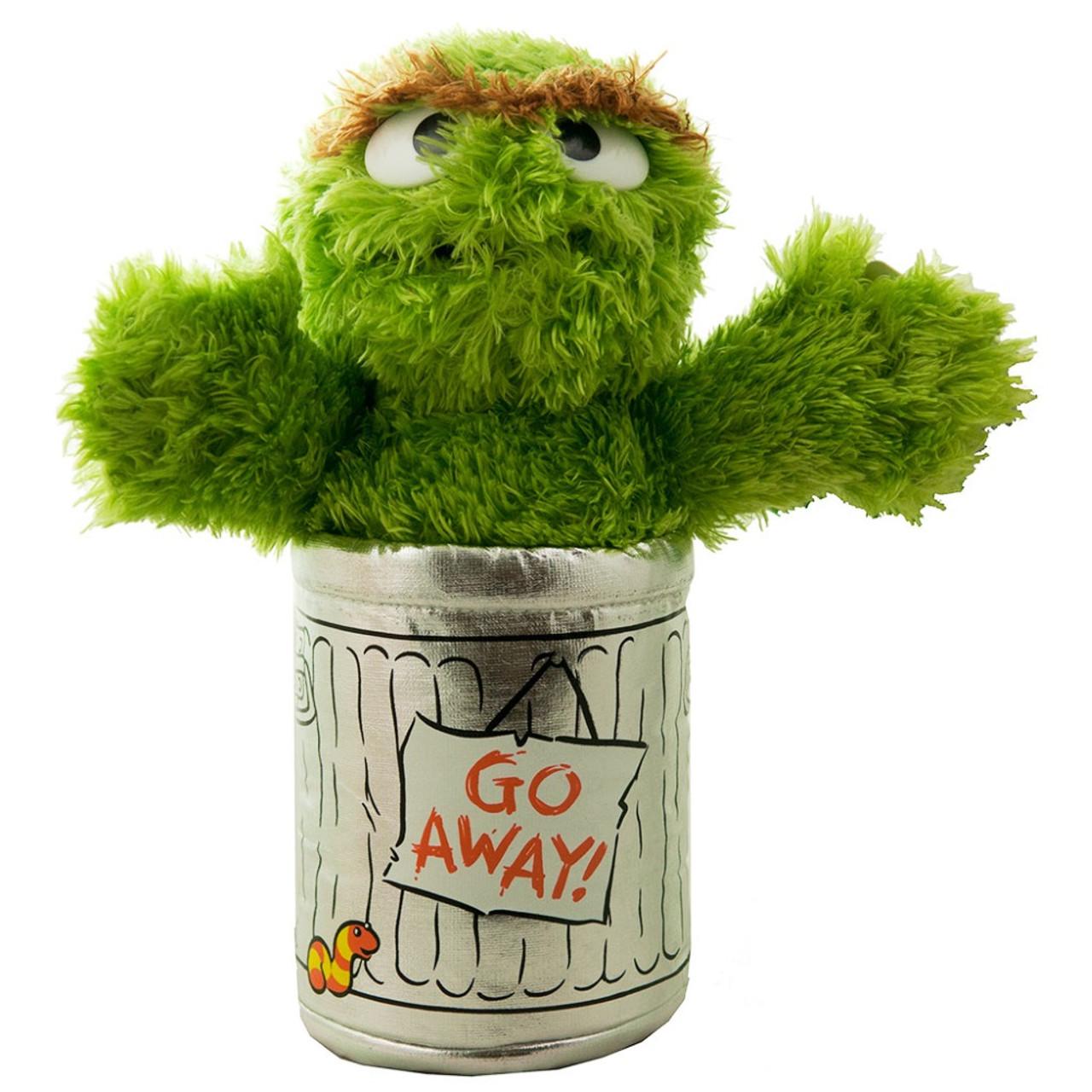 Sesame Street 24cm Oscar the Grouch Soft Toy
