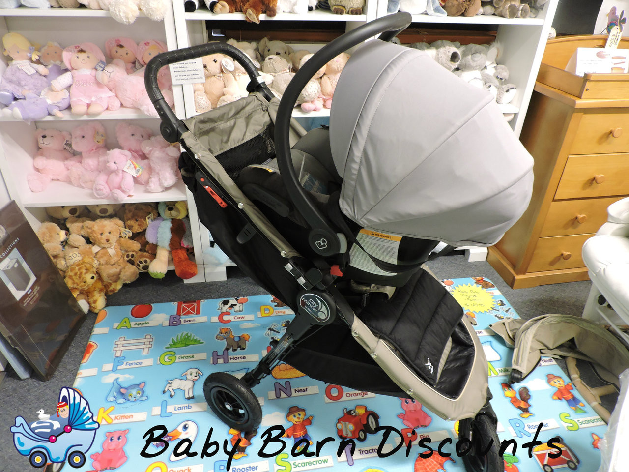 Baby Jogger Single Stroller City Mini, Mini GT, Elite Adaptor - Maxi Cosi Capsule -The Single Stroller Capsule Adapters are the easiest way to turn your stroller into a customised travel system.
