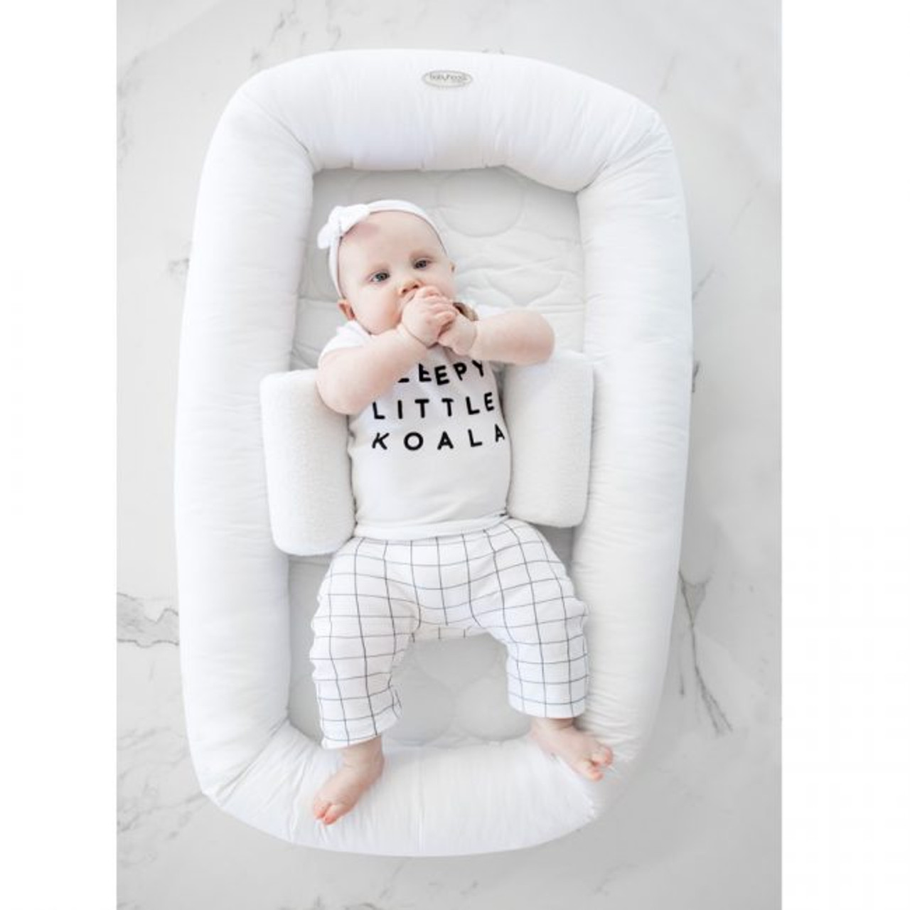 Sample Pure White (Listing is without the baby sleep positioner)