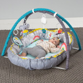 TAF Toys Koala Musical Cosy Gym will entertain your bub with music, lights and lots of play activities to reflect the dreamy adventures of Kimmy koala and her pals in the joyful nature.