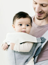 Baby Bjorn Bib for Carrier Mini & Move comes in a 2pk
