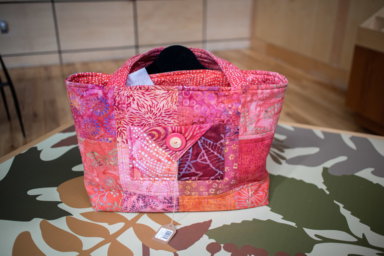 QUILTED TOTE BAG- FUCHSIA WITH POCKET