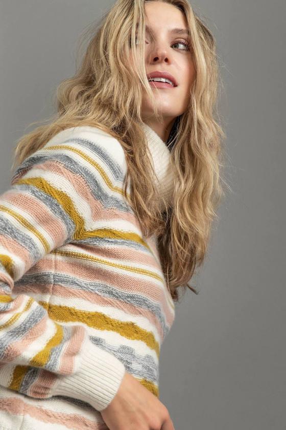 Full Sleeve Turtleneck Sweater