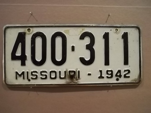 1942 Missouri 400 311 License plate DMV clear