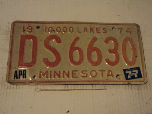 1974 1977 MINNESOTA 10,000 Lakes License Plate DS-6630