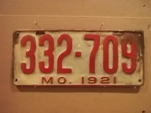 DMV Clear 1921 MISSOURI Passenger License Plate YOM Clear 332-709 MO
