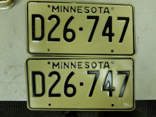 Minnesota Dealer License Plate D26-747 Pair