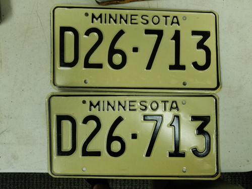 Minnesota Dealer License Plate D26-713 Pair